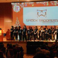 Η νεανική χορευτική ομάδα Shock Troopers.